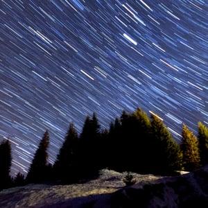 Aetuts retina star trails