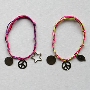 Frenchknot bracelet final retina preview