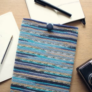 400px crochet tablet sleeve final image