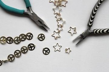 Frenchknot-bracelet-Step1