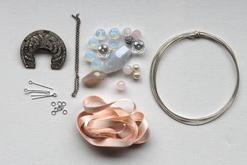 Vintage-Jewel-Necklace-Materials