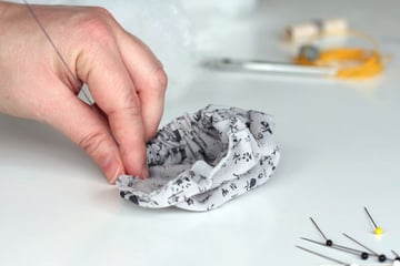 STEP5-PULL IT GENTLY-pin cushion