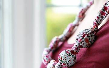 final2-teething necklace tutorial