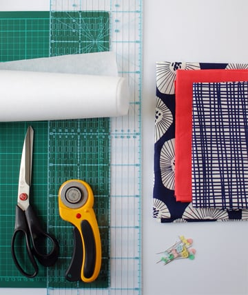 the red thread envelope clutch Supplies