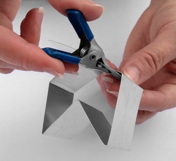 clamp the cookie cutter closed