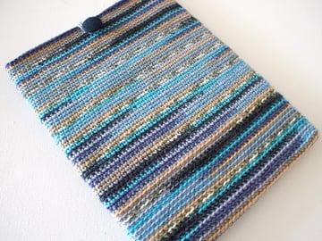 marinke-slump_crochet-tablet-sleeve_final-image2
