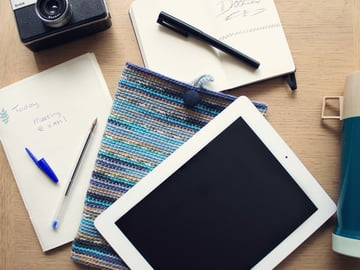 marinke-slump_crochet-tablet-sleeve_final-image4