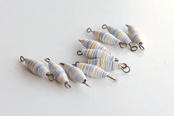 16-beads in pins-paper geo necklace