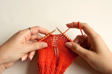 knitting_droppedstitch_knittostitch