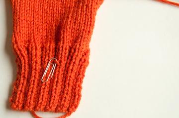 knitting_droppedstitch_markpurl