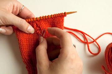 knitting_droppedstitch_markstitch