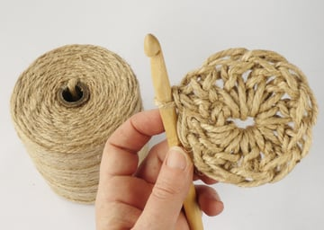 crochet-jute-wallhanging-08round2