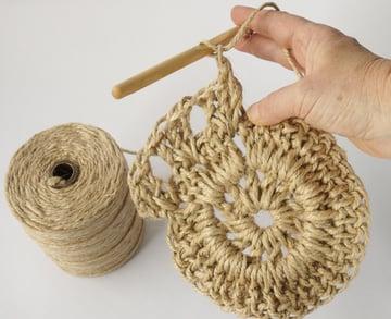 crochet-jute-wallhanging-13round4
