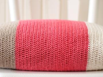 marinkeslump_colourblock-cushion_final-image2