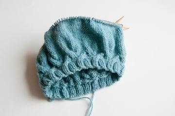 knitting_cableberet_kniteven