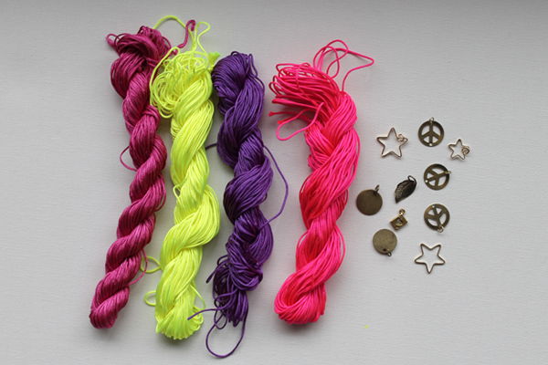Frenchknot-Bracelet-Materials