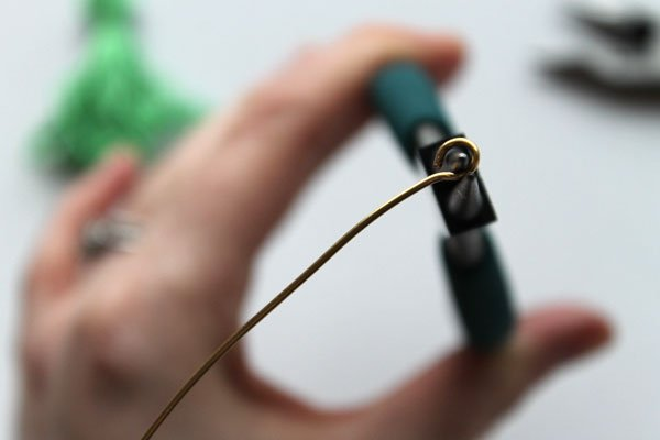 Tassel-necklace-Step10