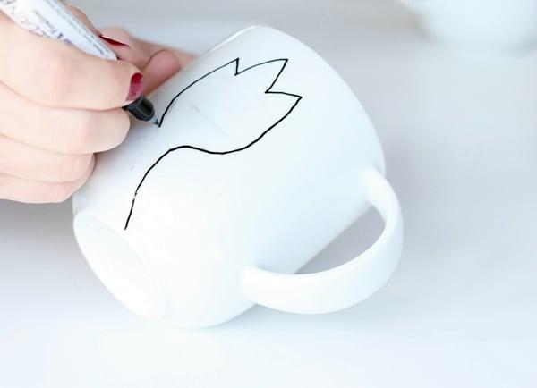 paint mug-2-2-draw outline