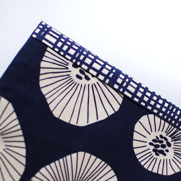 the red thread envelope clutch Step 9