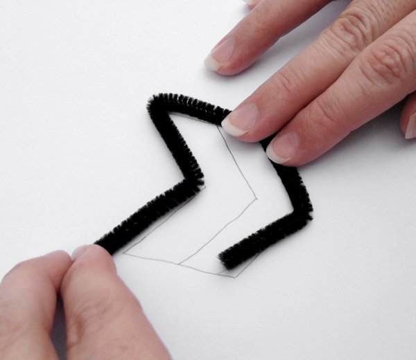 bend the pipe cleaner