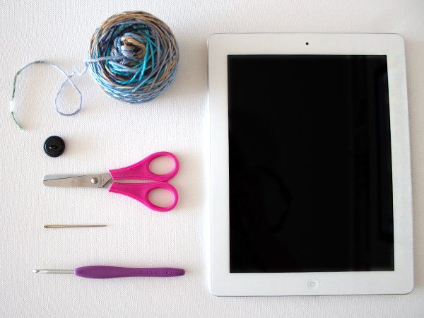 marinke-slump_crochet-tablet-sleeve_supplies