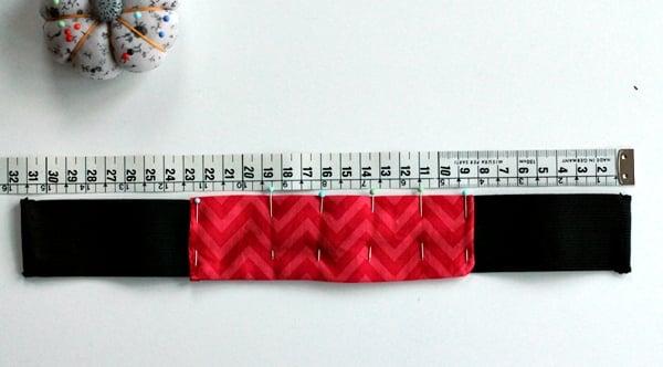 pencil case tutorial-pin fabric on elastic