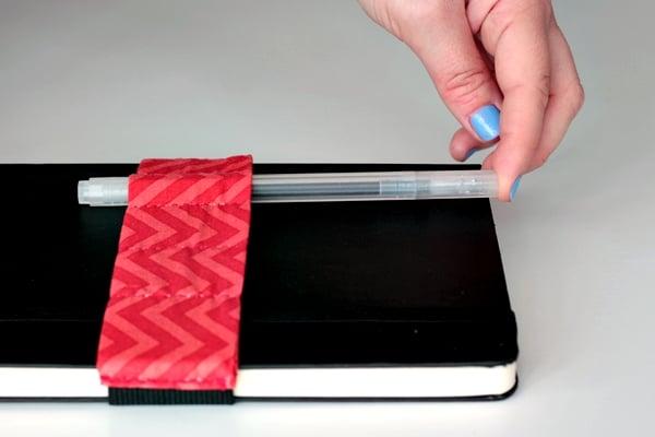 pencil case tutorial-put your pens in