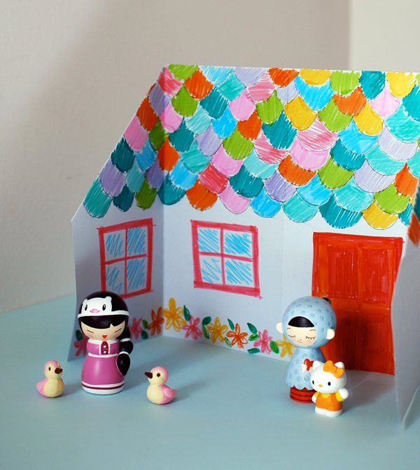 origami_dolls_house_outside