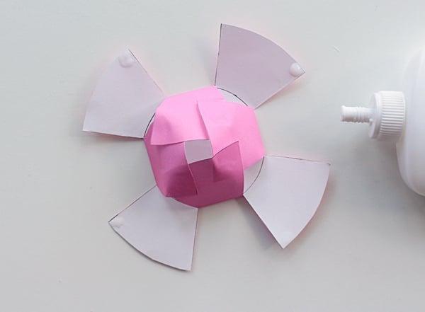 33-flower2-gluec-paper flowersb