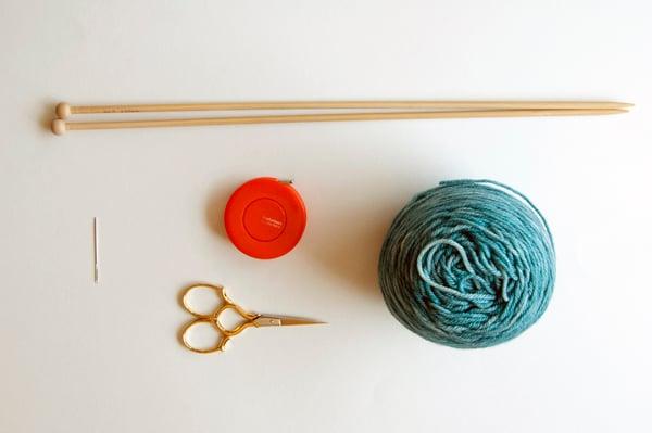 knitting_kerchief_supplies