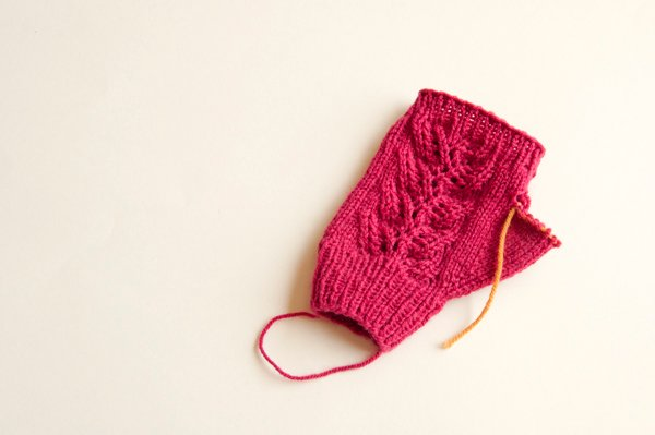 knitting_lacemitts_left_topcuff