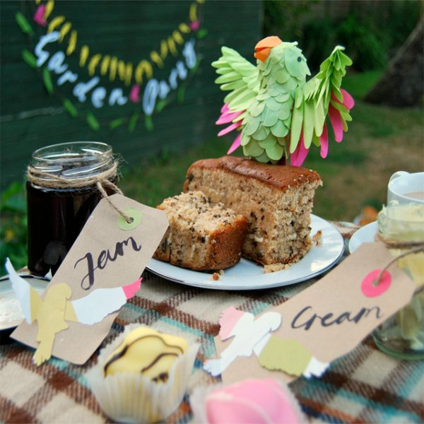 Party picnic paper bird decorations tutorial