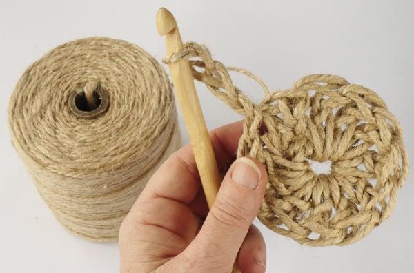 crochet-jute-wallhanging-09round3