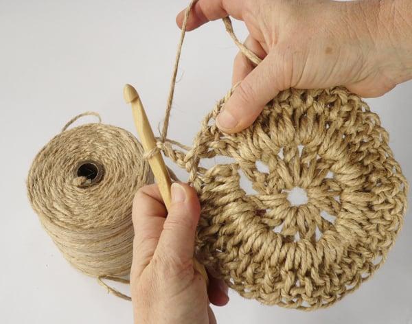 crochet-jute-wallhanging-12round4