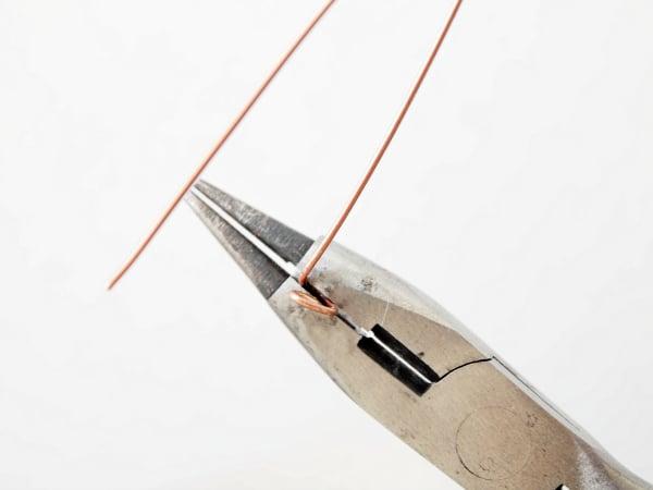 Heart-shaped-earrrings-bending-wire-angle