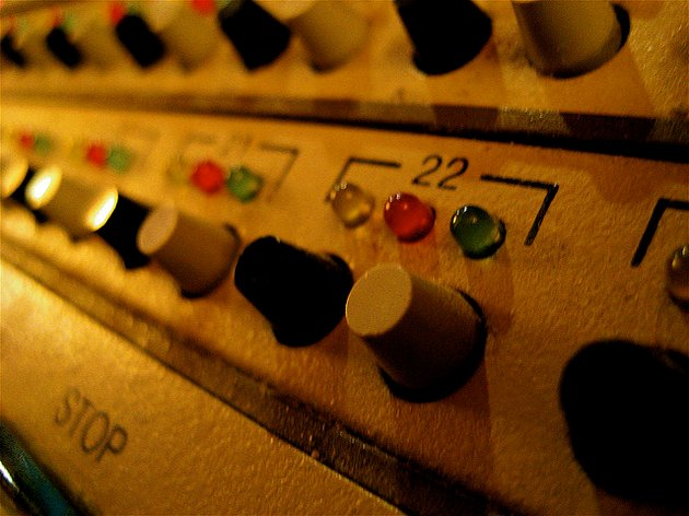 http://www.flickr.com/photos/mockstar/947671089/sizes/z/in/photostream/