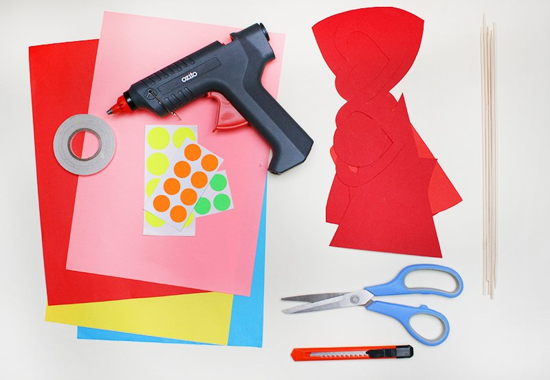 What you'll need to make your own photo booth props