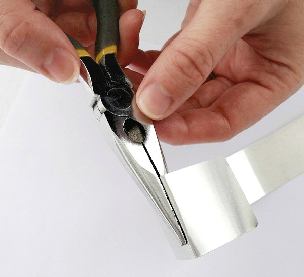 bend the aluminum with your pliers