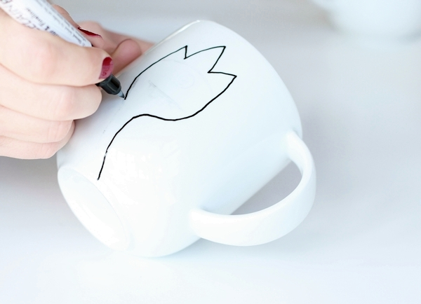 paint mug-2-2-draw outline