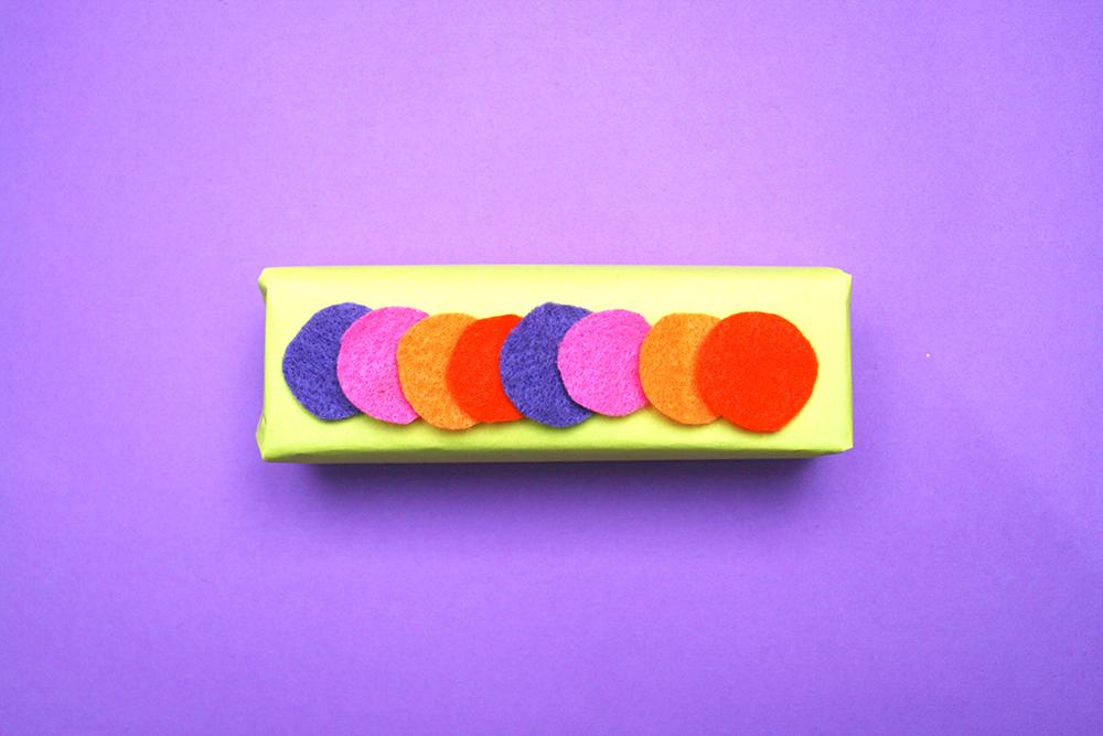 Confetti gift wrap idea