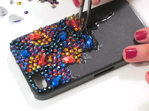 How to make an embellished crystal iPhone case