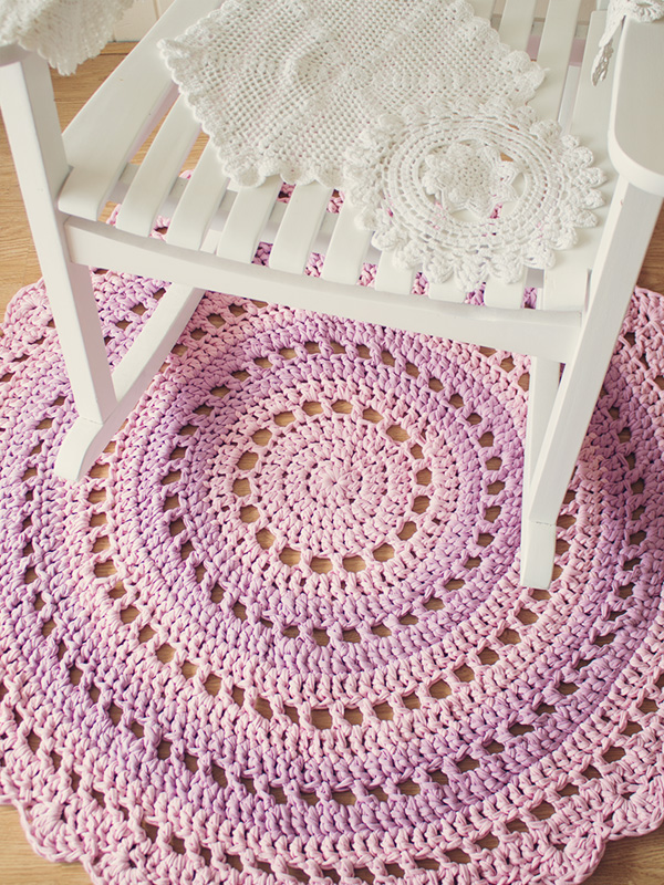 Crocheting A Rug : Crochet a Gorgeous Mandala Floor Rug