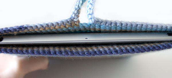 marinke-slump_crochet-tablet-sleeve_step11