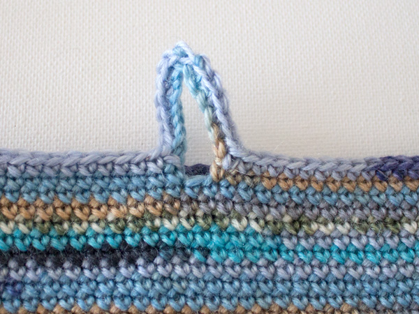 marinke-slump_crochet-tablet-sleeve_step9