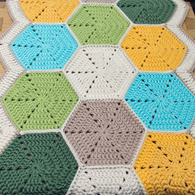 Marinke hexagon tablerunner preview retina1