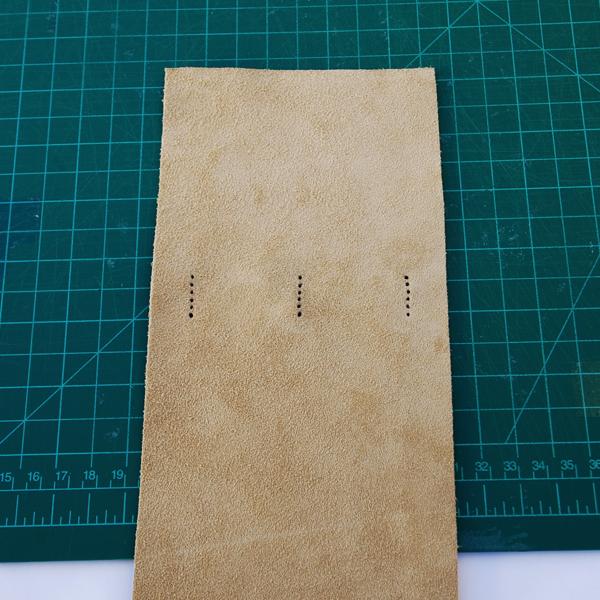 Posicione a capa interna-up com o lado longo virado para si.