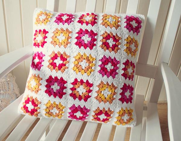 Granny square cushion cover tutorial