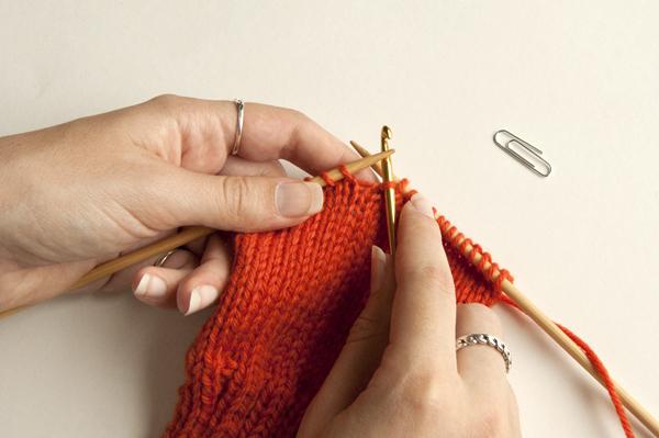 knitting_droppedstitch_hookup