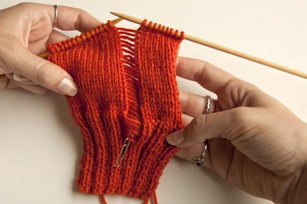 knitting_droppedstitch_ladderdown