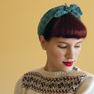 Knitting kerchief hair preview400